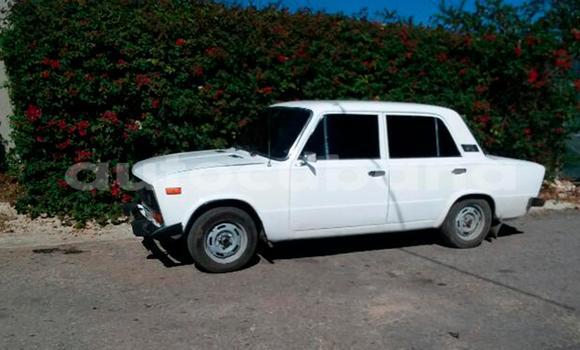 Comprar Usados Carro Lada 1600 Blanco en Havana en Habana