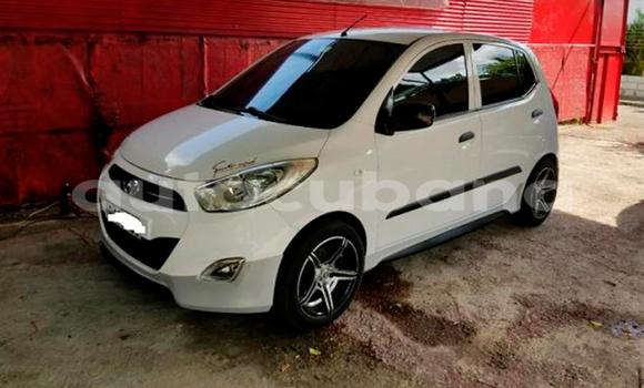 Comprar Usados Carro Hyundai i10 Blanco en Havana en Habana